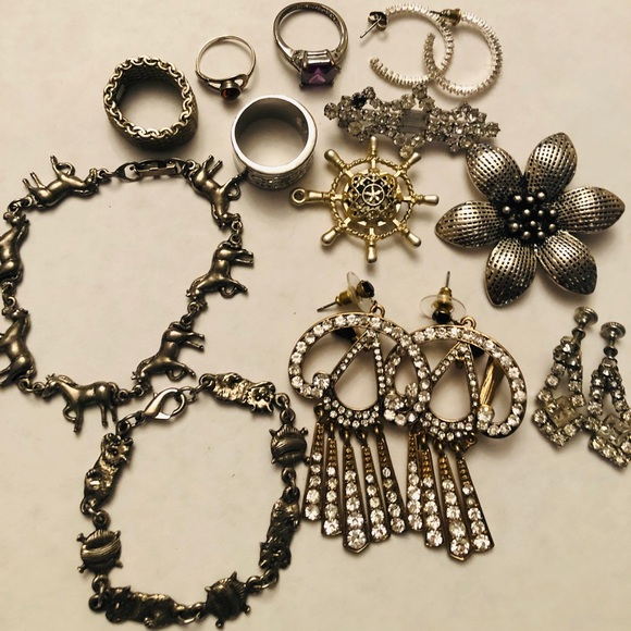 Vintage 12 piece Lot assorted jewelry